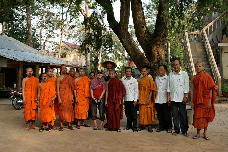 Незваный ghost хуже татарина или быт буддистских монастырей