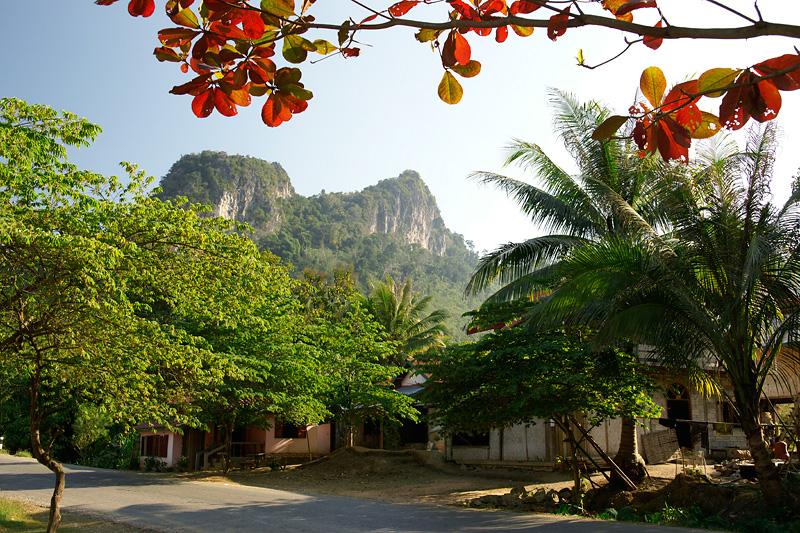 Лаос, путь на юг по китайской дороге