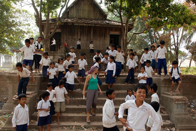 Пномпень — богатая столица бедной страны.